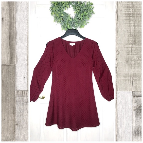 Candie's Dresses & Skirts - Candies Laser Cut Burgundy Open Sleeve Shift Dress
